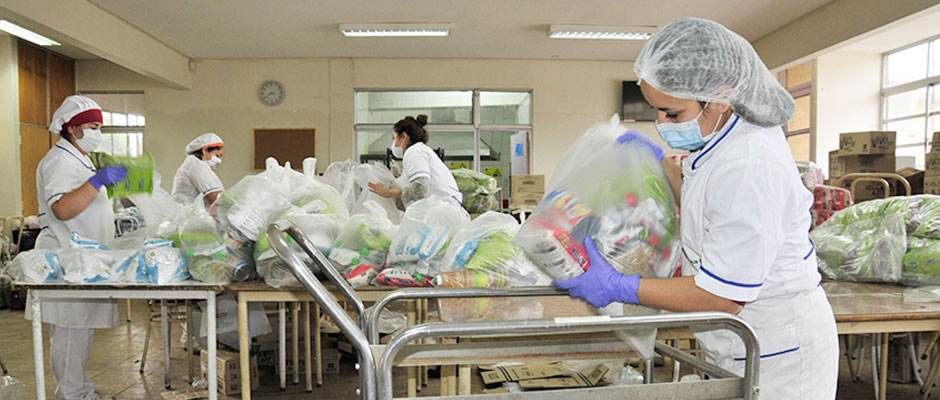 Comunidad Novo Mundo entrega cuarta bolsa de alimentos Junaeb